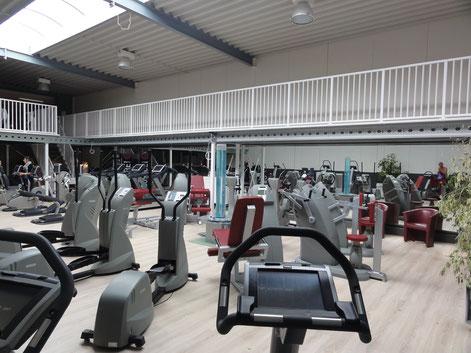 Systembühne im Fitnesstudio