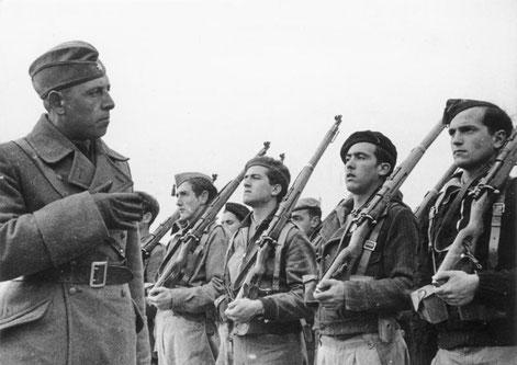 Ausbildung franquistischer Soldaten durch die Legion Condor, Foto: Bundesarchiv, Bild 183-E20569-21 / CC-BY-SA 3.0