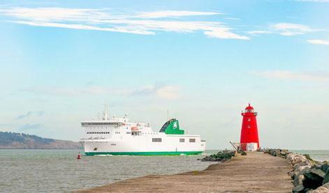 Le navire M/V Epsilon, qui sera remplacé en mai 2018 par le nouveau navire d'Irish Ferries.