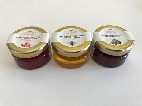 Various honey, jam and chocolate/praliné-types are available upon request, also with your individual logo.