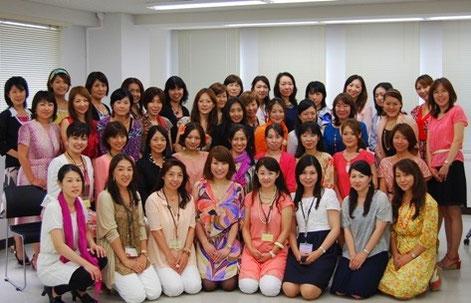 NPO法人色彩生涯教育協会・東京支部の皆さんと一緒に。高田裕子会長のスキルUPセミナーにて。