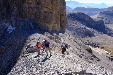 Randonnée ascension d'un sommet dans les Pyrénées