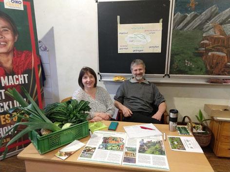 Familie Natalie Fehling und Bernd Schmitz beim Saatgutfestival 2020 in der Waldorfschule in Hangelar