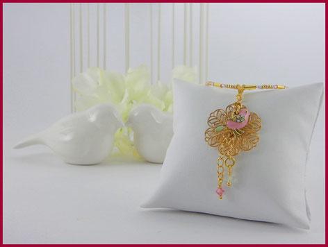 collana dorata con uccellino e cristalli Swarovski