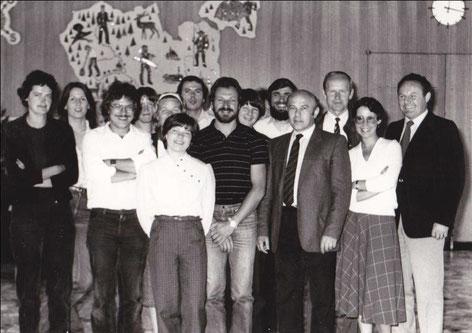 Lehrerkollegium 1982/83 + Elternbeiratsvors. Schmider