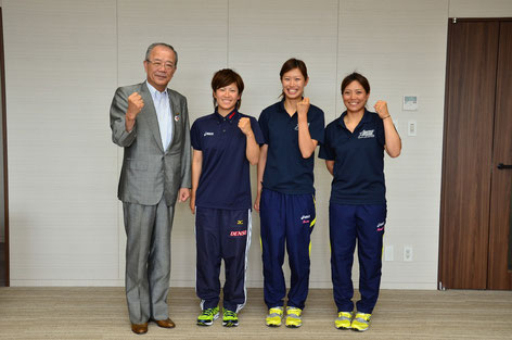 永吉選手(左から2番目)