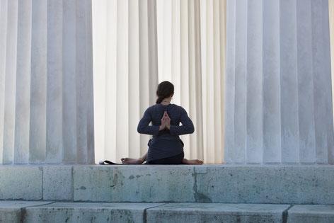 Body-Prayer: Generiere in 7 Schritten Stärke & Zuversicht für dich und Andere.