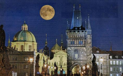 Prag Städte Reisen buchen Sie preisgünstig bei Singer Reisen & Versicherungen.