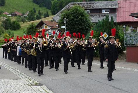 """Nach der """"Bergmannskapelle Neubulach"""" und der """"Bergkapelle Heilbronn"""" machten wir uns auf den Weg zum Sammelplatz."""