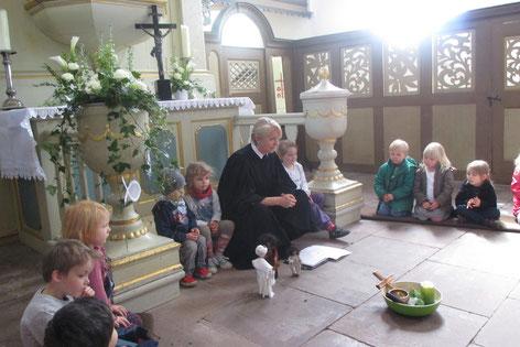 Hier feiern wir jeden Monat Kindergottesdienste. Eltern sind immer herzlich Willkommen!