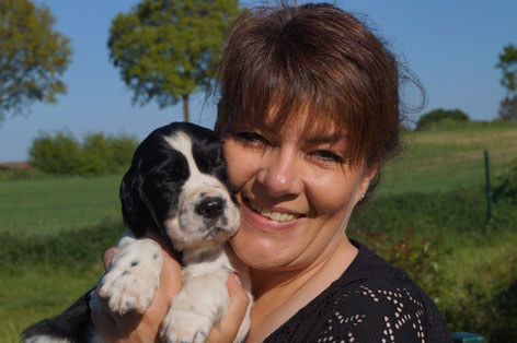 Claudia with a puppy of J-litter. Photo: Ulf F. Baumann