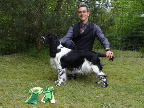 A proud handler with his successful bitch! Photo: Svenja Arendt