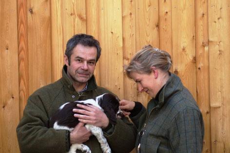 Knut mit seinen neuen Besitzern, Foto: Ulf F. Baumann