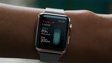 Tesla S y Apple Watch