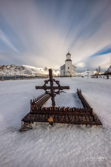 Lofoten / Gimsøy, Kirche, Langzeitbelichtung, 2019, © Silly Photography