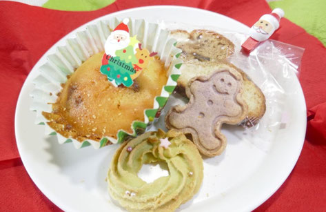 クリスマス会のプレゼントにクッキーを用意。米粉と発酵パウダーをベースにした4種類のクッキーは身体に優しく柔らかな味わいです。