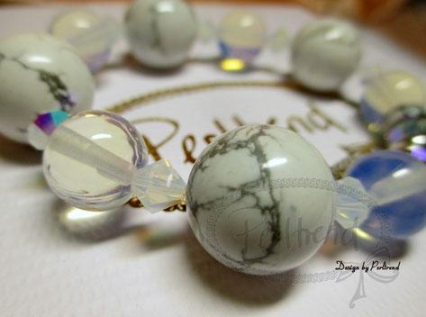 www.perltrend.com white Armschmuck Weiss Stones Edelstein Gemstone Bracelet Onlineshop Luzern Schmuck Perlen Pearls Accessoires Fashion Mode Perltrend Schweiz