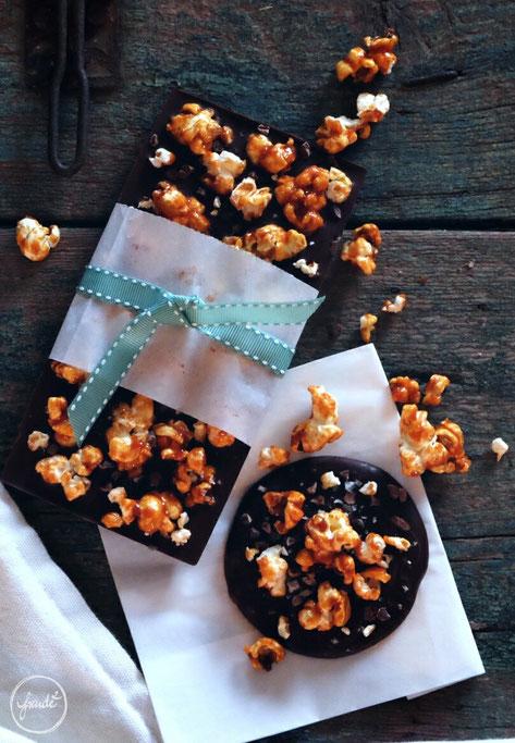 Dunkle Schokolade mit gesalzenem Karamellpopcorn