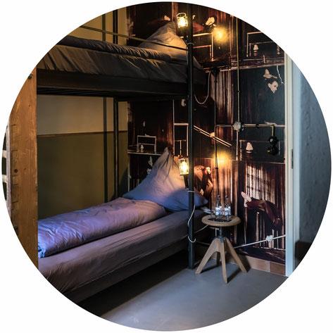 Übernachten in der Turnhalle Projekt Gastraum Illertissen Themenzimmer Hotelzimmer