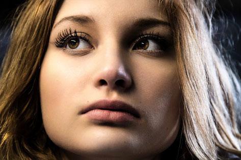 """Haut und Augen optimiert mit """"PortraitPro"""" (aktuelle Version 17)"""