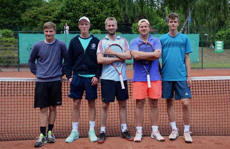 Tino Yannick Dahlem, Linus Krohn, Nils Larsen, Jan Deisner, Benedikt Möhrl . Auf dem Bild fehlt Philipp Libuda