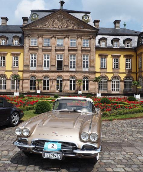 Exklusiver Parkplatz vor dem Residenzschloss Bad Arolsen