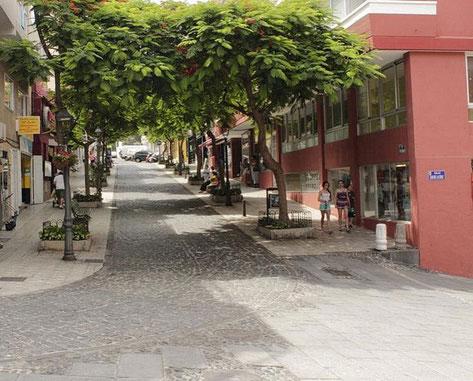 Fußgängerzone in der Stadt Puerto de la Cruz.
