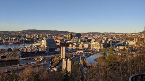 Aussicht über die Hauptstadt Norwegens vom Stadtpark Ekebergparken