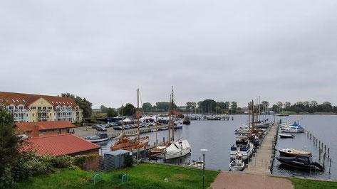 Der Hafen von Kirchdorf auf der Insel Poel