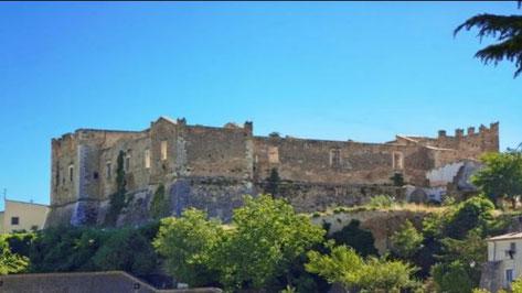 Tocco da Casauria - castello Caracciolo