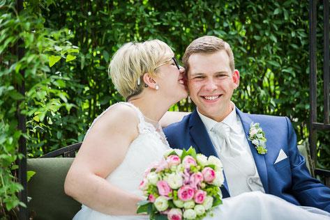 Heirat im Standesamt Perleberg. DIY-Hochzeit in Duepow. Hochzeitsfotograf aus Wittenberge (Prignitz). Taetig in Perleberg, Pritzwalk, Ludwigslust, Meyenburg, Wittstock, ...