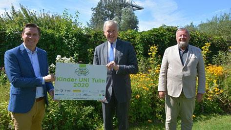 Am Foto: LAbg. Christoph Kaufmann, Landesrat Martin Eichtinger und Peter Höckner von der Stadtgemeinde Tulln