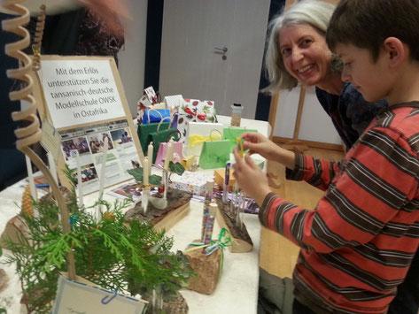 """Spendenverkauf zu Gunsten der One World Secondary School Kilimanjaro e.V. auf dem Lerchenauer """"Kreativen Schaffen"""""""