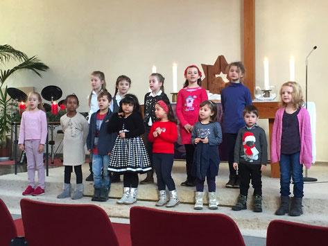 Der Kinderchor im Gottesdienst am 3. Advent 2016 // Foto: Goemmer
