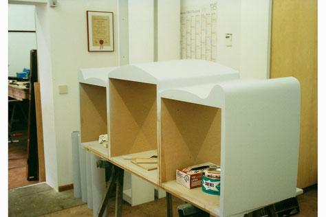Unterkonstruktion der Kommode