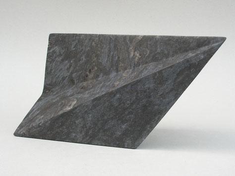 symétrie et asymétrie - albâtre noir 2015 35cm