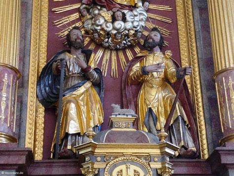 Apostel Simon (mit Säge) und Judas Thaddäus (mit Keule)