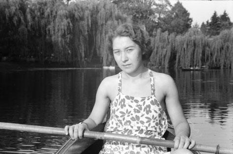 Bötchenfahren auf der Werse um 1940