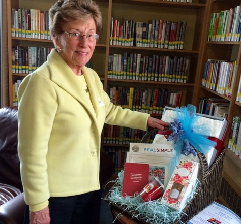 Marilyn Moran was the lucky winner of the Luncheon Raffle Prize.