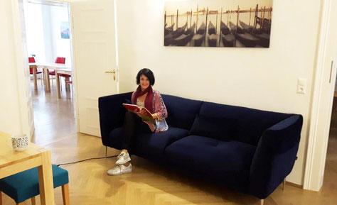 Aufenthaltsraum mit Couch
