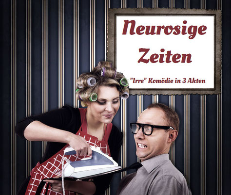 """Frau bügelt die Krawatte ihres Mannes, obwohl dieser sie schon anhant. Dazu der Titel: """"Neurosige Zeiten"""""""