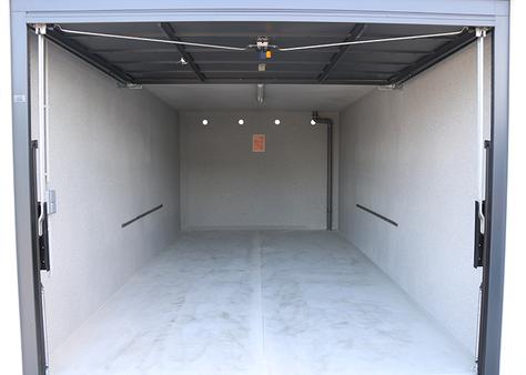 Innenansicht der Garagen im Bezirk Baden bei Wien