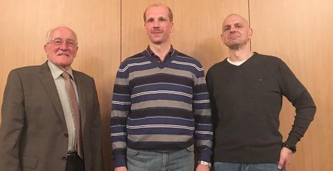 Der Kreisvorsitzende Rolf Schamerowski (l.) gratulierte Matthias Lahann und verabschiedete Markus Wasserthal.