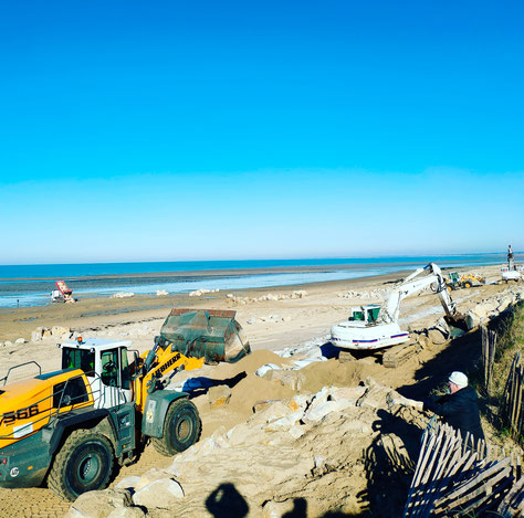 Befestigungsarbeiten an den Dünen in Gouville sur Mer am 6. Februar 2020.