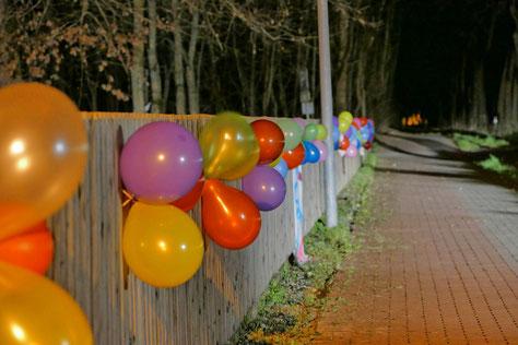 Viele bunte Luftballons begleiteten die Aktionen, zB. hier in Wegenstedt