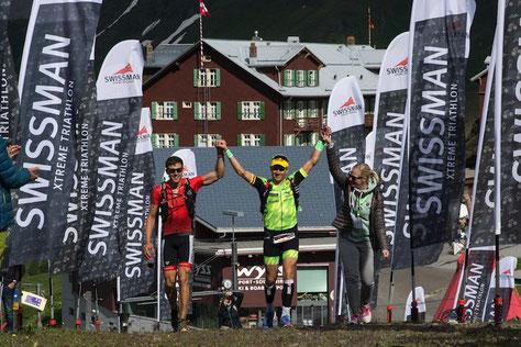 Zieleinlauf mit Sandra & Sami auf der Kleinen Scheidegg