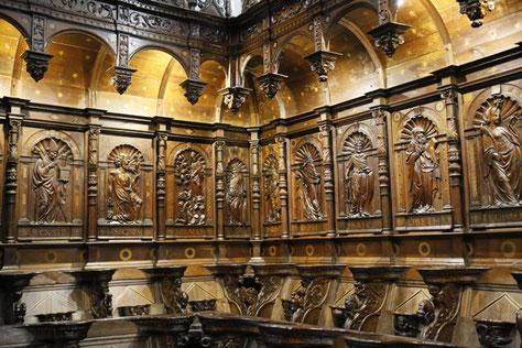 Le chœur des stalles de la cathédrale Sainte-Marie de la cité médiévale de Saint-Bertrand-de-Comminges