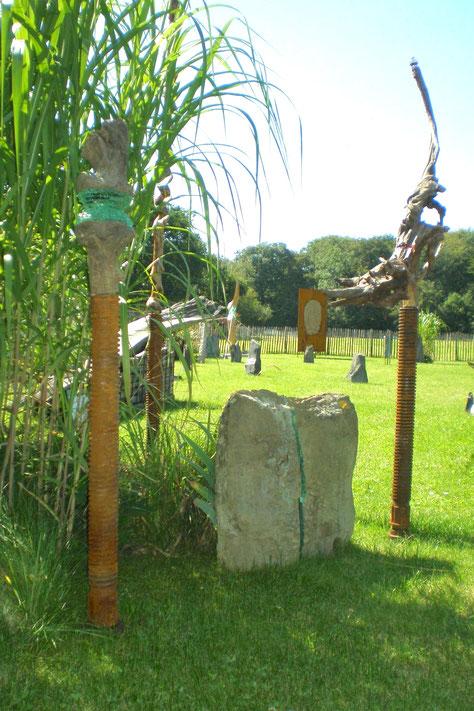 Alfter,  Kottenforst-Ville, Skulpturengarten, Skulpturen mit Glas,