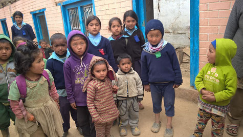 Schulen, Hilfe, Zerstörung, Bildung, Kälte, Spenden