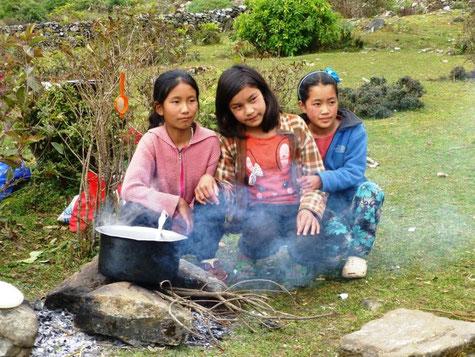 Kinder, Opfer, Schule, Winter, Helambu, Unterricht, Not, Kälte